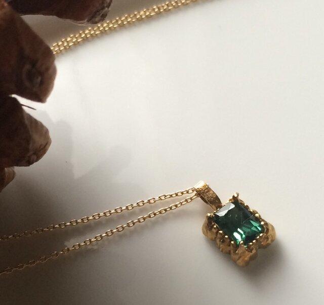 ブルーグリーンのトルマリンとgoldのネックレスの画像1枚目