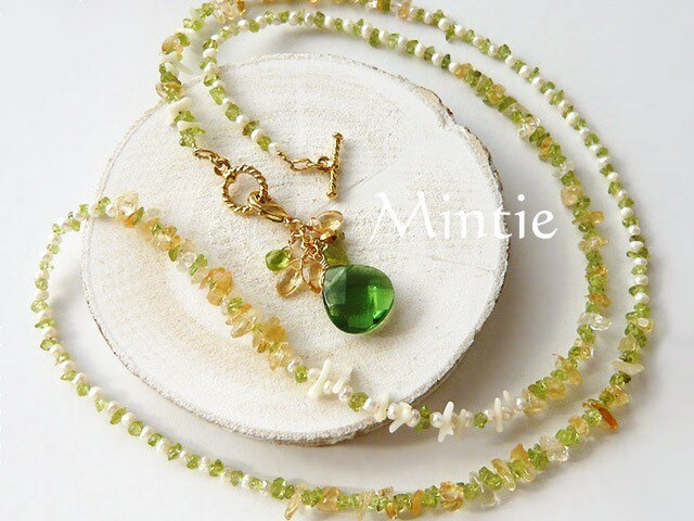 グリーンクォーツとペリドット 緑香のネックレスの画像1枚目