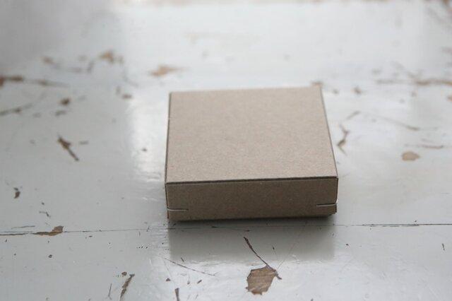角留め箱 クラフトボール ホチキス銀色 【1箱】 60×60×20mmの画像1枚目