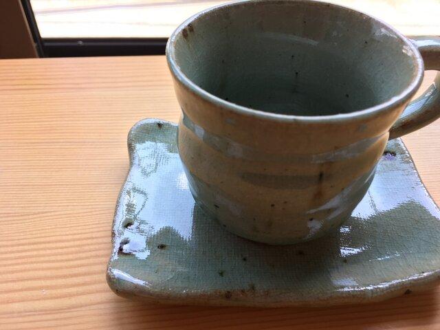 四角いソーサー付灰釉カップの画像1枚目