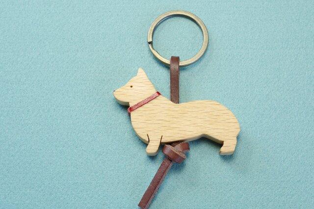 コーギー / 犬 木のキーリングの画像1枚目