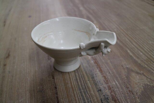 片口しがみ付きにゃんこ鉢の画像1枚目