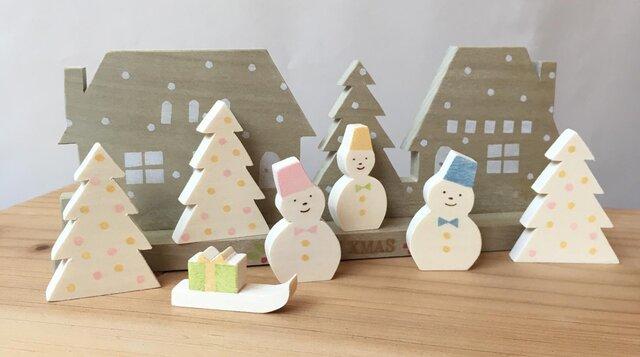 雪降る小さなクリスマスの画像1枚目
