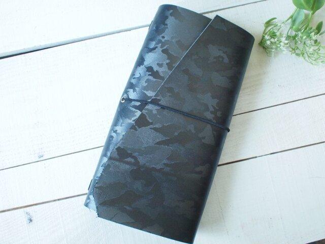 本革A5変形 黒ミリタリーの手帳カバー 自然な切り口とまっすぐの画像1枚目