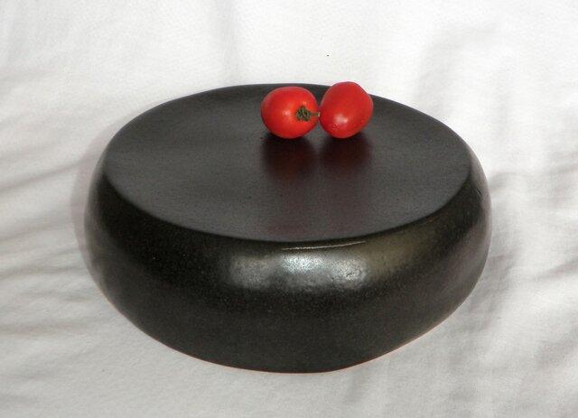 お値下げ!お買い得~黒い台皿(N-129)の画像1枚目