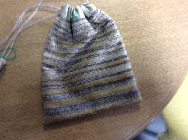 草木染シルク糸手織巾着の画像1枚目