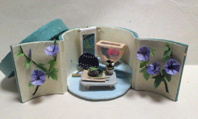 朝顔と金魚鉢の画像1枚目