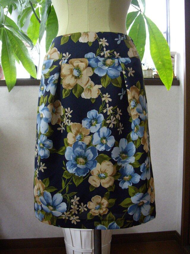 お花が可愛いスカートの画像1枚目