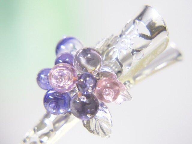 お花のヘアクリップ 小 透明青紫×透明ピンクの画像1枚目