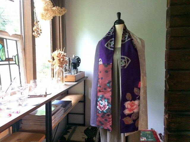 銘仙と播州織のストール「薔薇尽くし」011(紫×刺繍)麻 リネン コットンの画像1枚目