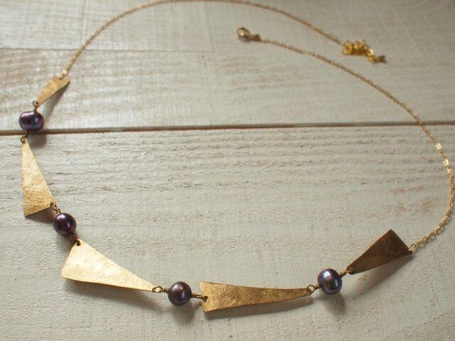 ☆ひらひらネックレス 真鍮とグレイパールでの画像1枚目
