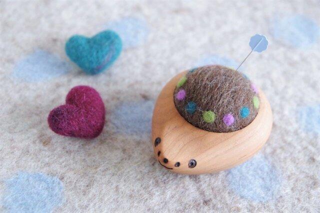 ハリネズミの羊毛ピンクッション【針山】みずたまリング むらさきの画像1枚目