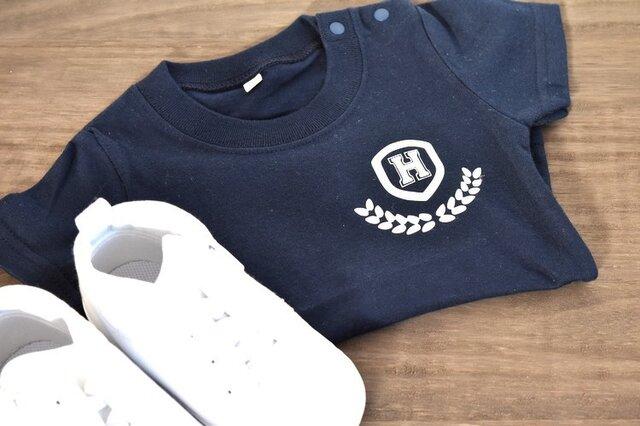イニシャル入れられます★シンプルカレッジTシャツ★70~大人まで★赤ちゃんも★お揃いコーデも出来ます♪の画像1枚目