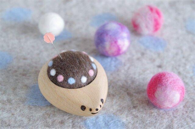 ハリネズミの羊毛ピンクッション【針山】みずたまリング パステルの画像1枚目
