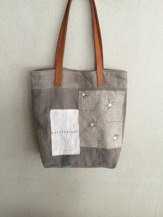 リネン刺繍のコラージュバッグの画像1枚目