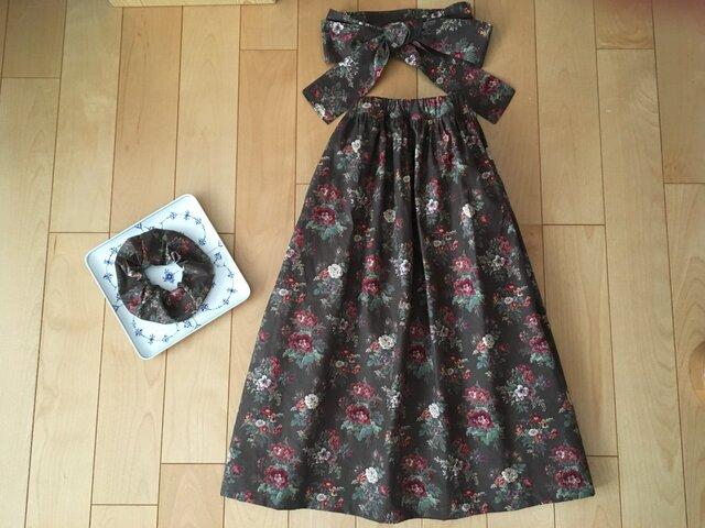 SALE【Sサイズ】花束デザインスカート(お揃い柄シュシュ&サッシュベルト付き)の画像1枚目