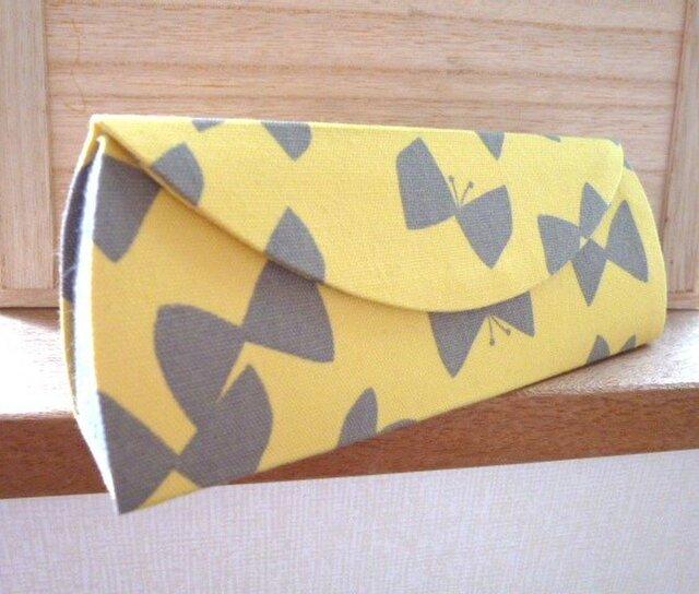 【受注制作】メガネケース(82)リボンとちょうちょ黄×デニムの画像1枚目