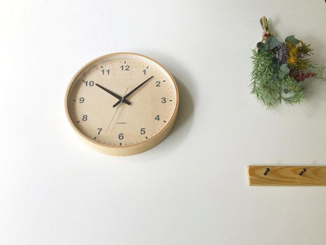 KATOMOKU plywood wall clock ナチュラル 電波時計 連続秒針 km-34LRC φ304mmの画像1枚目