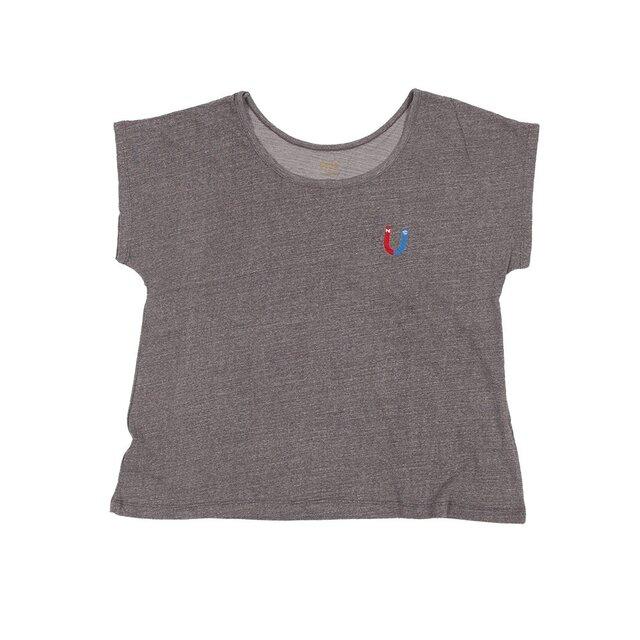 ボディーからオリジナル レディース かわいい刺繍の U字磁石 Tシャツ Tcollectorの画像1枚目