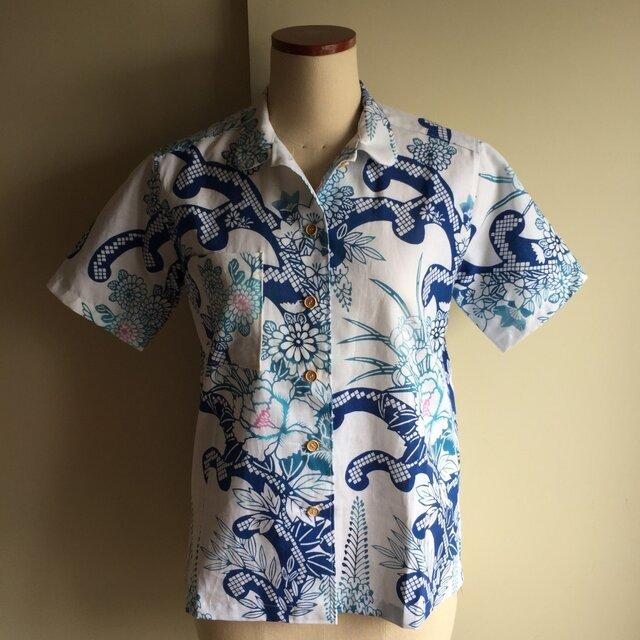 浴衣の丸襟シャツ  ランプ(波や花  柄)の画像1枚目