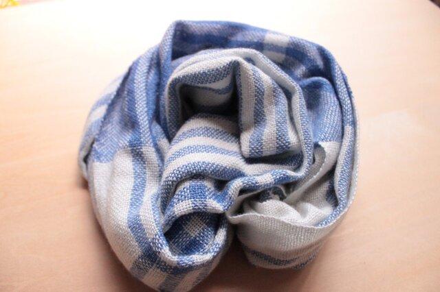 シルクカシミヤ  手織り ストール ホワイト×ブルーの画像1枚目