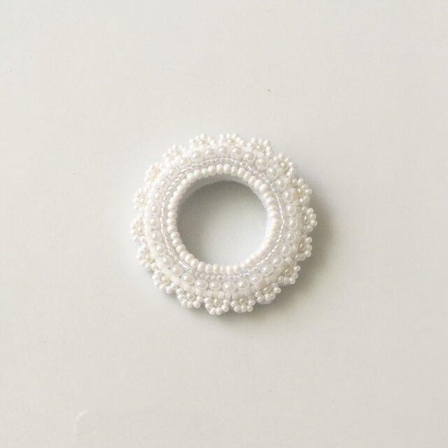 pure white lace D ブローチの画像1枚目