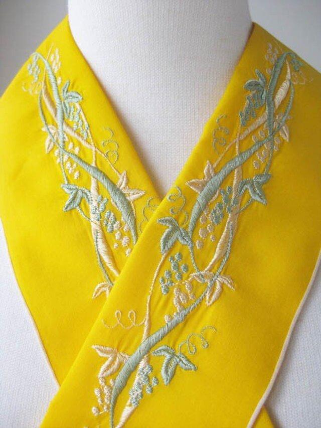 半衿・刺繍半衿・葡萄(黄色)の画像1枚目