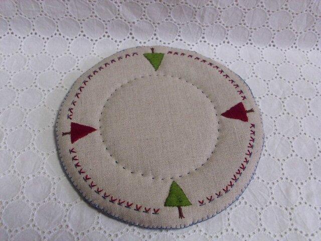 リネンと毛糸と刺繍のポットマット⑤の画像1枚目