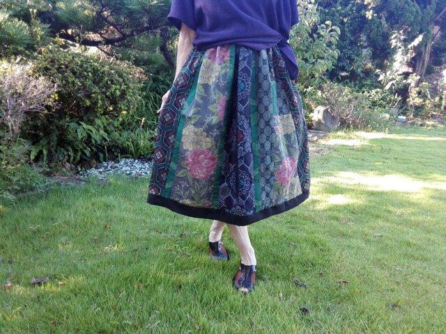 エレガントスカート 一点品再出品登録ご遠慮願います。の画像1枚目