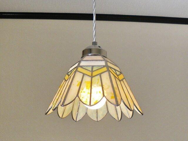ペンダントライト・イエロー・ホワイトのお花(ステンドグラス)吊り下げ照明・ガラス  Lサイズ・(コード長さ調節可)15の画像1枚目