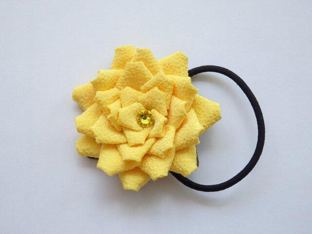 黄色い大きめお花のヘアゴムの画像1枚目
