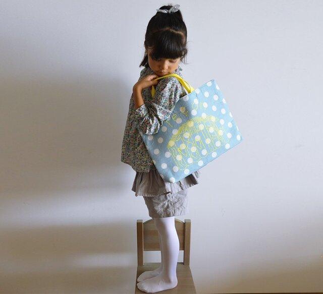 レッスンバッグ ドットブルーグレー 「leçon」 入園入学グッズ、お習い事に 絵本バッグ 名入れ無料の画像1枚目