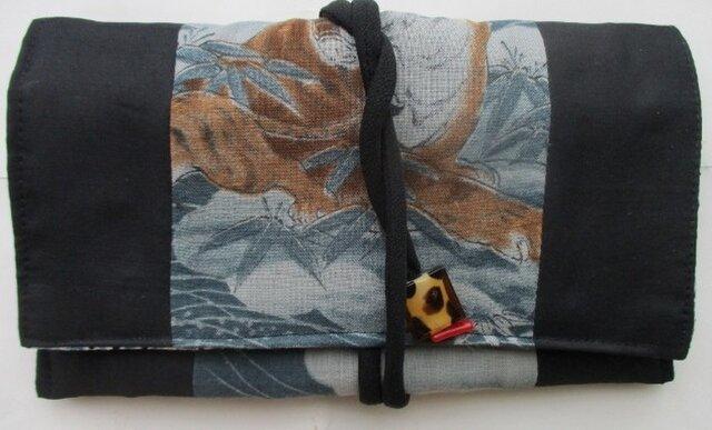 送料無料 モスと黒の羽織で作った和風財布・ポーチ 2890の画像1枚目
