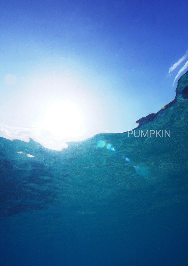 ブルーファンタジー-Ⅱ  PH-A4-092     写真 A4   青空 水面 水面下 波 奄美大島の画像1枚目