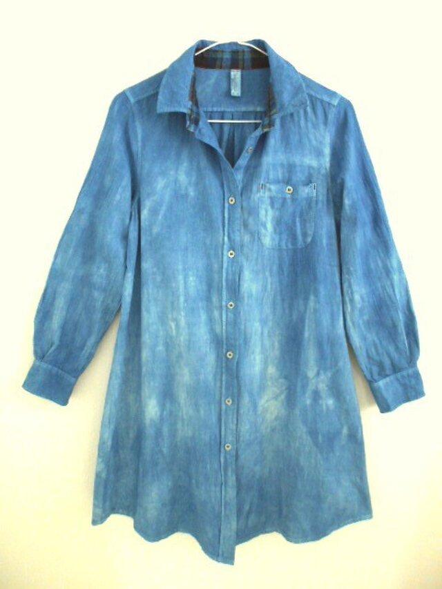 ◆100%自然素材 天然灰汁発酵建て 本藍染◆ 縦ラインむら染め ダンガリー ロングシャツ♪の画像1枚目