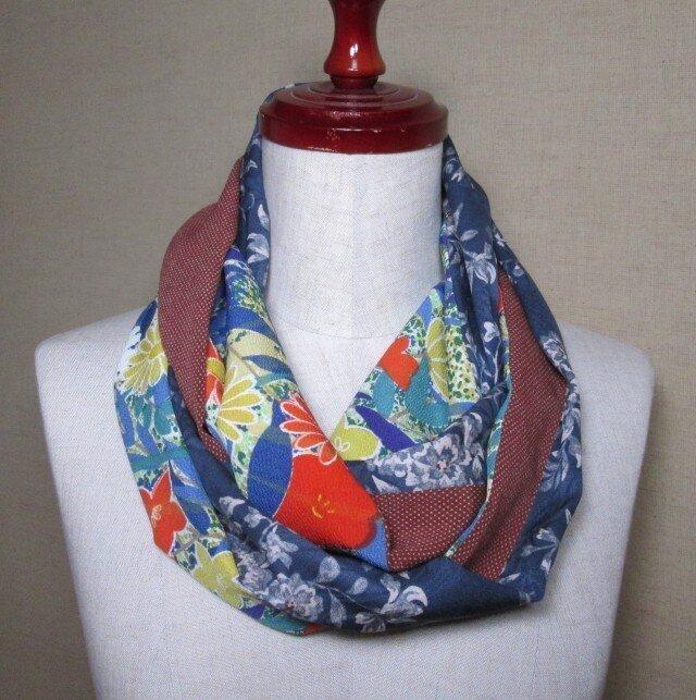 着物リメイク 花模様の正絹着物を組み合わせて作ったスヌードの画像1枚目