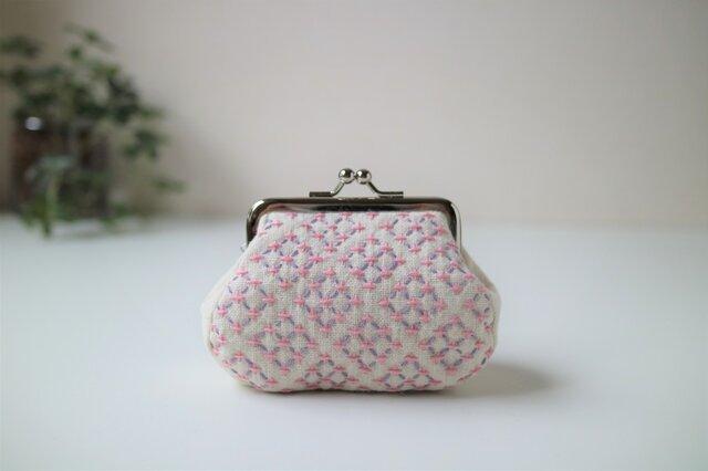 白とピンクの『変わり米刺し』模様 ころんと可愛い刺し子がま口ポーチの画像1枚目