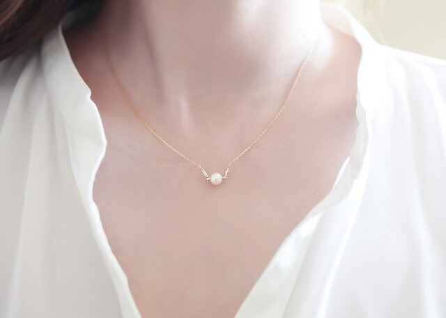 14kgf 淡水パール Vネックレス 『 White fresh water pearl- V necklace 』の画像1枚目