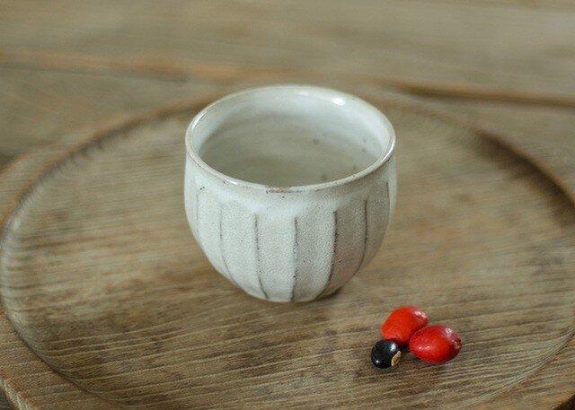 陶器の丸湯のみ(面)の画像1枚目