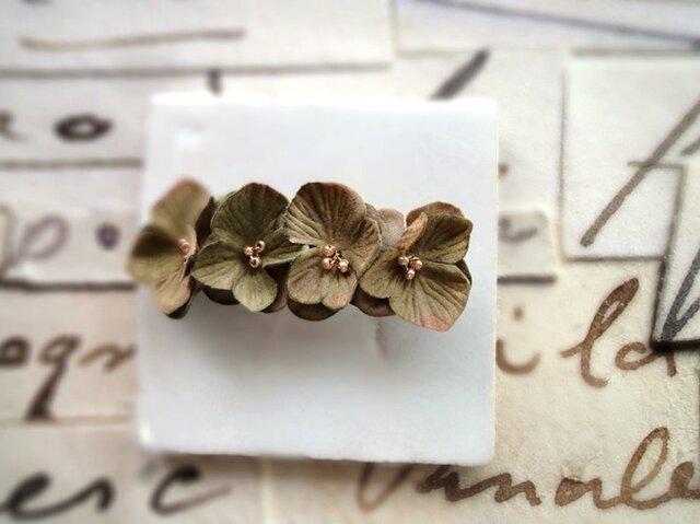 花びらのバレッタ■アンティーク風ベルベッドの花びら■オリーブブラウン 4輪の画像1枚目