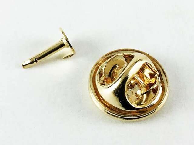 送料無料 蝶 タック ゴールド 100個 キャッチ 付 ピンズ タックピン ピンバッジ ブローチ 留め具 金具 AP0164の画像1枚目