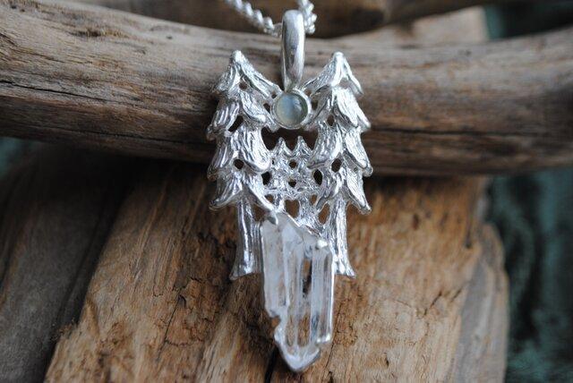『ハルモニア』森と満月のネックレスの画像1枚目