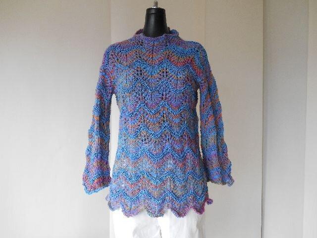 段染めアルパカの模様編みセーターの画像1枚目