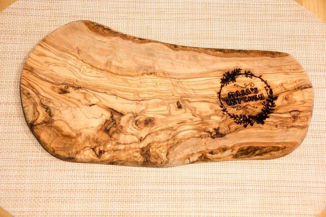 オリーブウッド カッティングボード 〜オリジナルの名入れで世界に1つだけの作品へ〜の画像1枚目