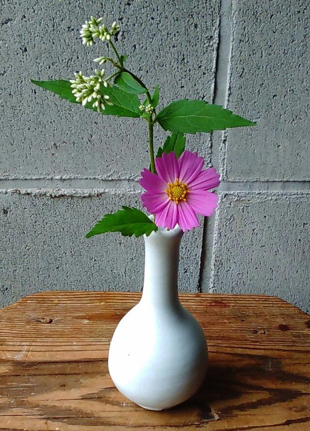 白釉つるくび花いれの画像1枚目