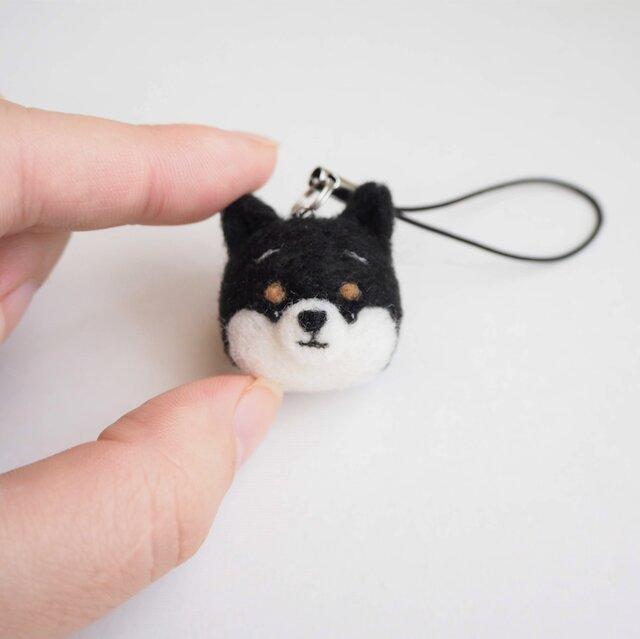 まゆ黒柴犬 携帯クリーナーストラップ 羊毛フェルト(アクレーヌ製)※受注製作の画像1枚目