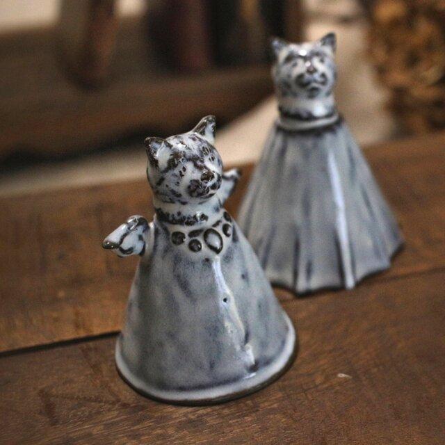 【受注制作】ちいさな猫のミニベル(天使)の画像1枚目