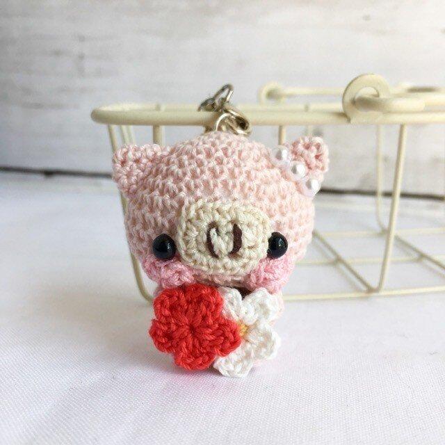 【受注生産】赤色小花・淡ピンク色ブタさん*鈴付きイヤホンジャックストラップの画像1枚目