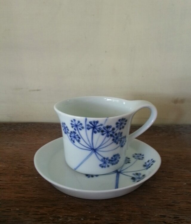 【ご予約】青いレースフラワーのカップとお皿の画像1枚目