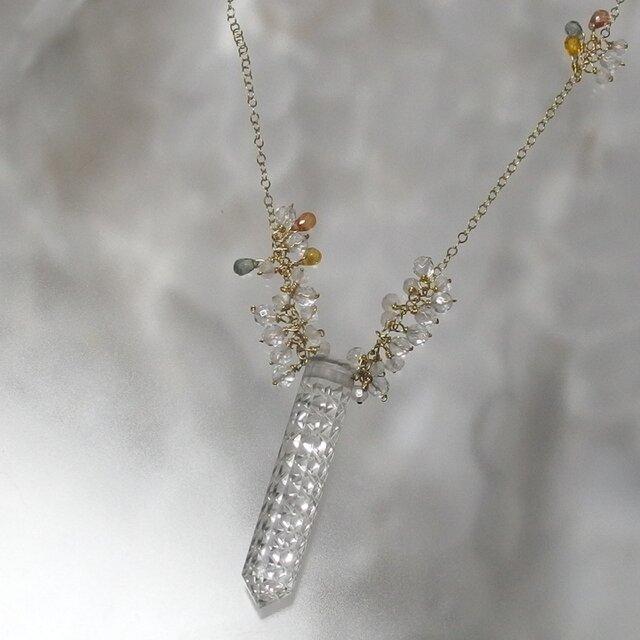 ガネーシュヒマール産水晶×甲州貴石切子ネックレスの画像1枚目
